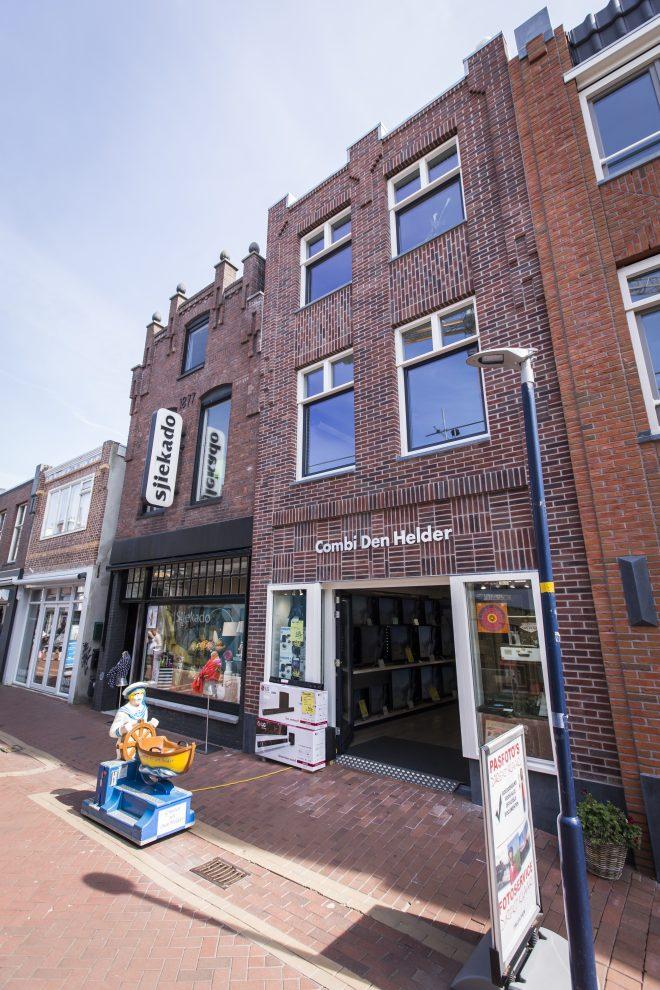 Fraaie nieuwe gevel Combi Den Helder